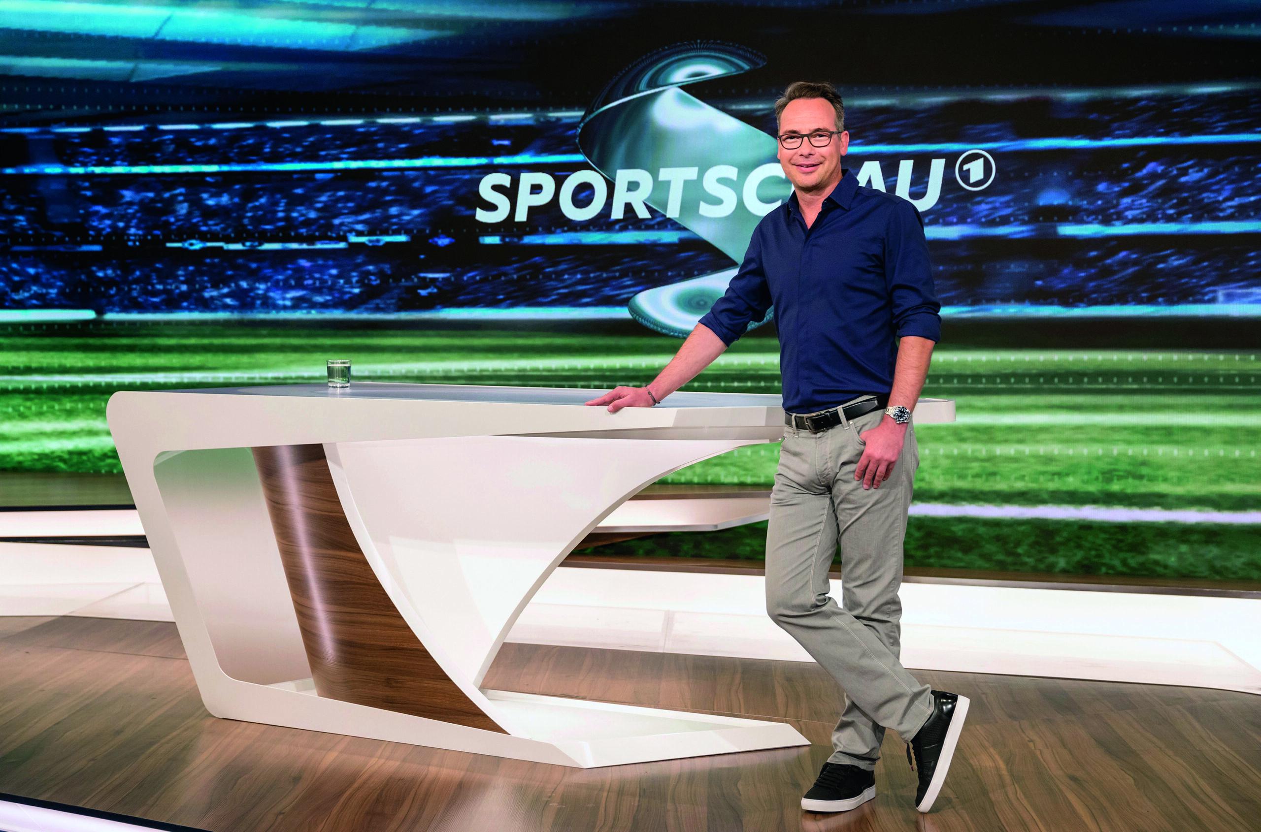 Matthias Opdenhövel hält Sport-Fans weiter auf dem Laufenden