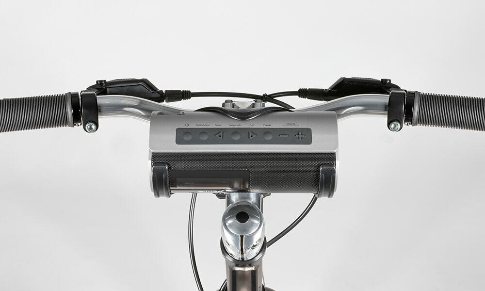 Halterung für das DIGITRADIO Bike 1 am Lenkrad